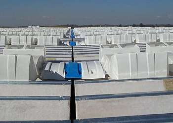 Instalação de clarabóia para indústria